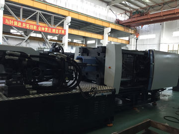 High Performance Large Injection Molding Machine 3880KN Kekuatan Penjepit